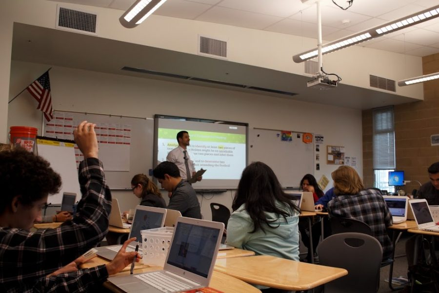English teacher Mr. Porter leads a class discussion during fifth period. The WASC committee will be witnessing class discussions like this throughout the beginning of next week.