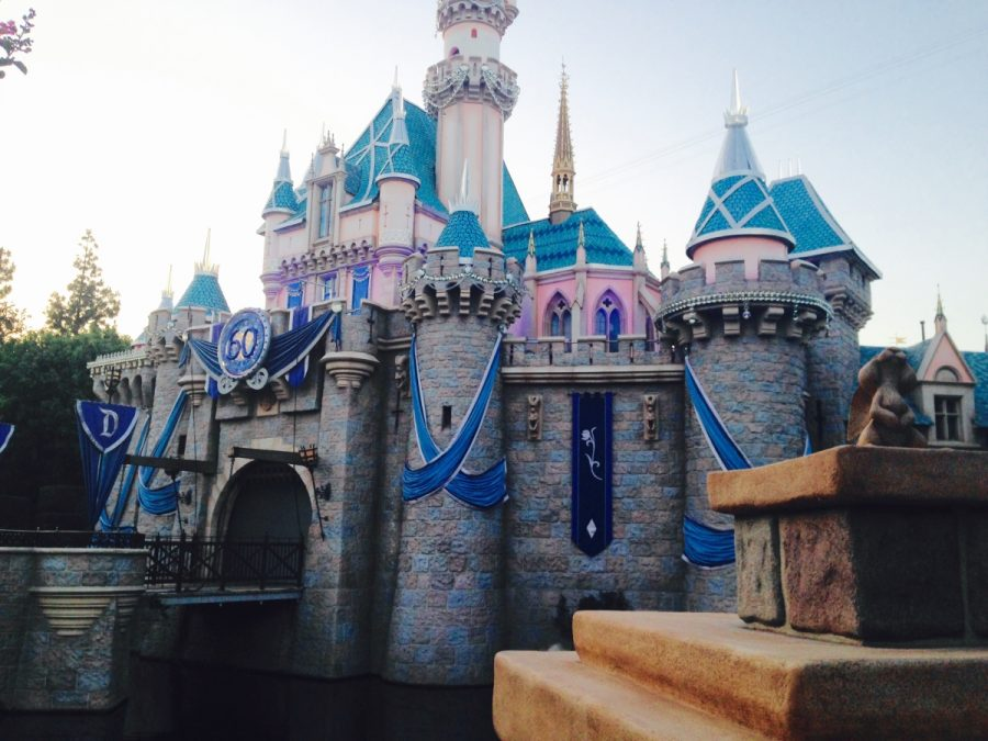 Following+graduation%2C+the+seniors+will+have+the+chance+to+walk+the+halls+of+this+beautiful+castle+in+the+heart+of+Disneyland.+%0A