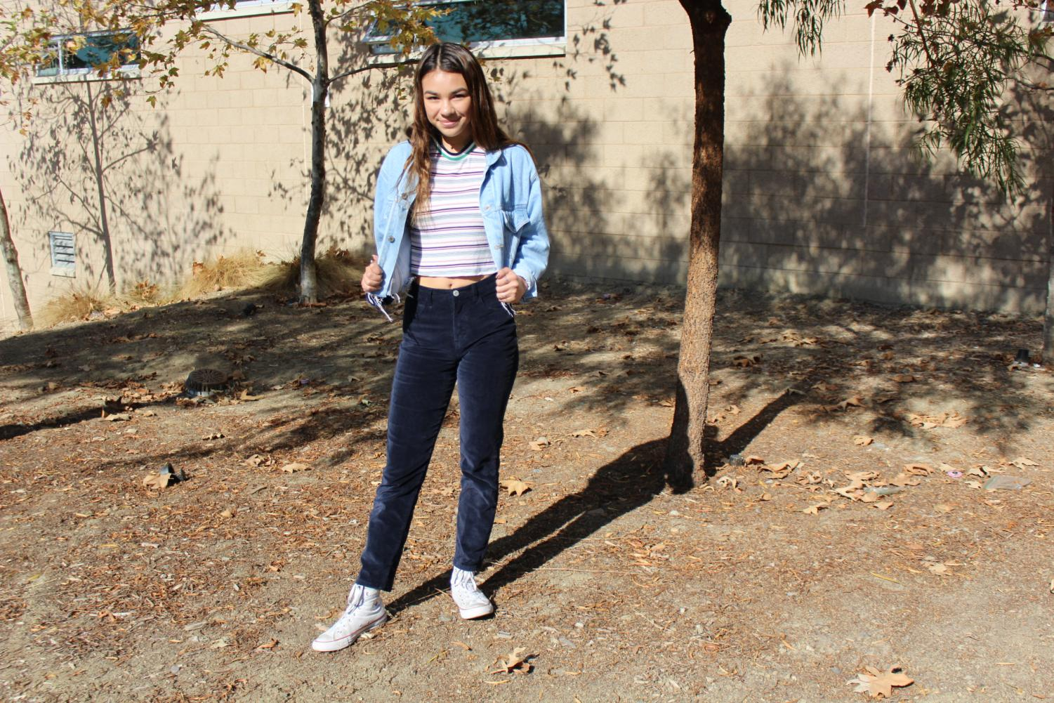 Sophomore+Sarah+Ewers+rocks+her+flawlessly+coordinated+blue+scheme.+Ewers+enjoys+wearing+whatever+she+feels+is+comfortable+and+looks+good.+Her+prefered+stores+include+places+such+as+Brandy+Melville%2C+Urban+Outfitters%2C+Thrift+Stores%2C+and+Target.