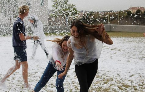 Students Celebrate Hoopcoming with a California Snow Day