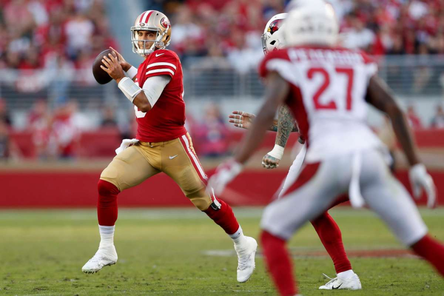 49ers+quarterback+Jimmy+Garopppolo+had+a+challenging+yet+successful+game+on+Sunday+against+the+Cardinals.